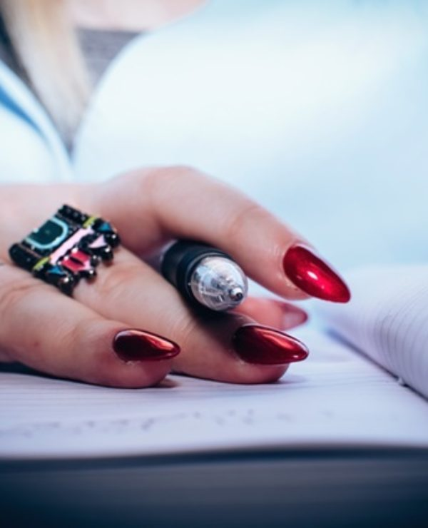 How To Start A Profitable Home Manicure Service